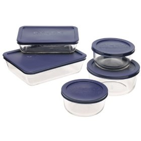Glass food storage container set.